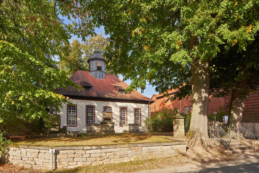Ev.-luth. St. Michaelis-Kirche Löwenhagen • ©Ralf König